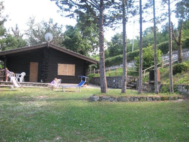 Bellissimo Chalet di montagna ideale per famiglie con bambini, Ferienwohnung in Cascia