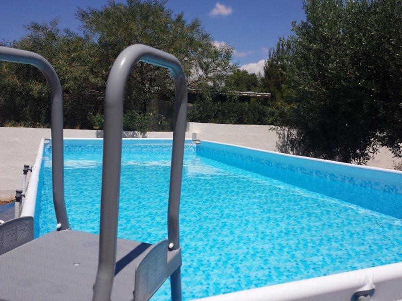 Villa Mele divisa in 4 bilocali, Piscina, Colazione inclusa, vacation rental in Ugento