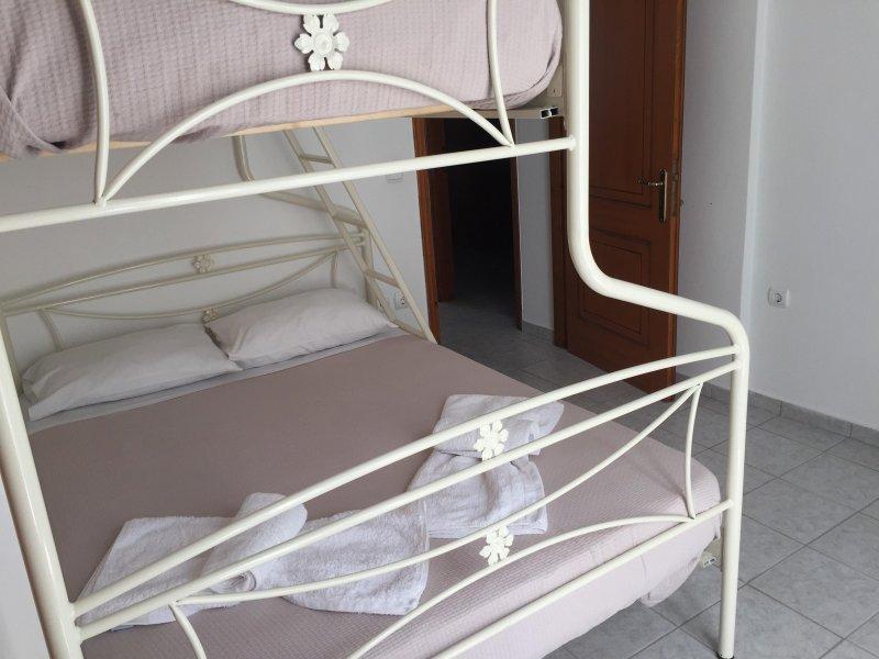 Depis casa em Naxos cidade segundo quarto