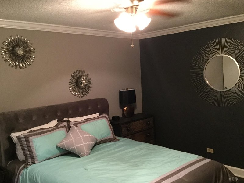 Newly renovated condo with private terrace, holiday rental in Atlanta