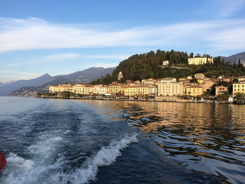 Bellagio - less than 10 mins from the apartment