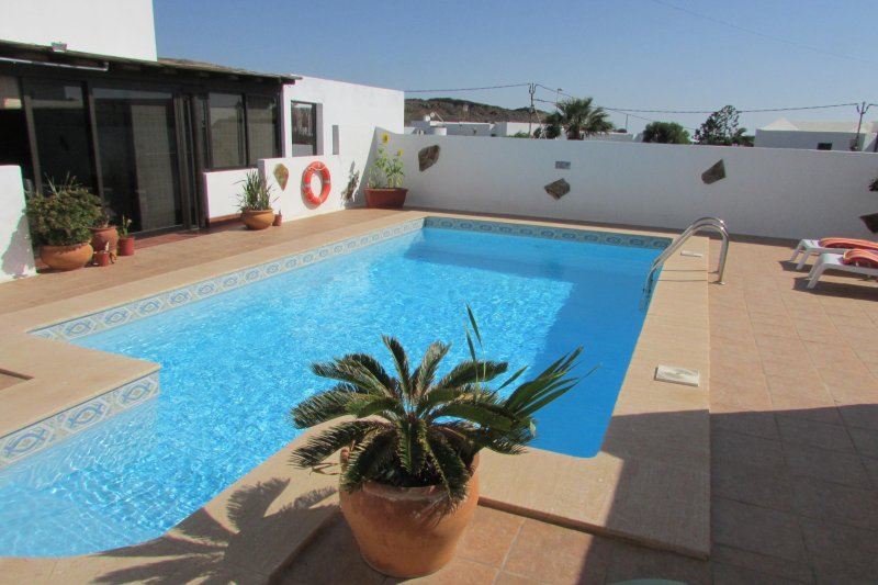 Apartamento 1-B, holiday rental in Tias