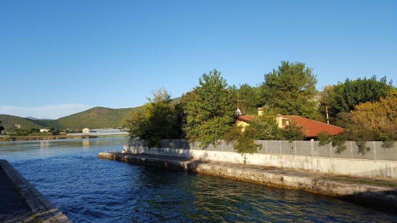 Villa Cecilia, the lake and the sea connecting channel