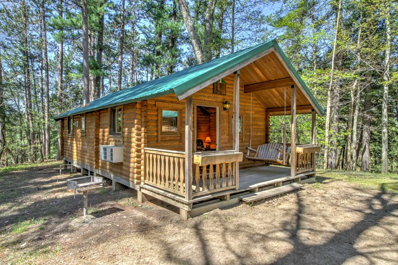 Visit The Waterpark Capital of the World from this Baraboo vacation rental cabin