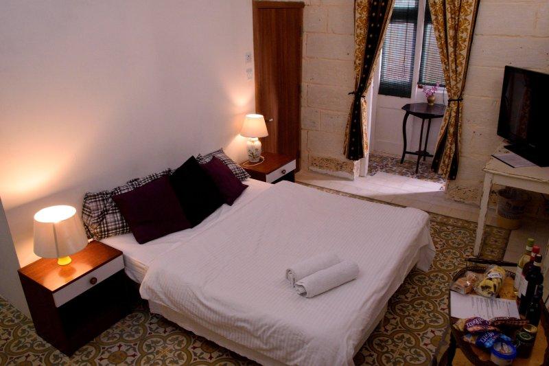 Double bedroom, vacation rental in Cospicua (Bormla)