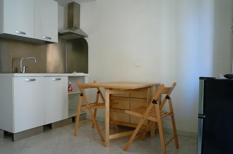 Monolocale a 100mt dal mare con terrazzo – 5A CODICE CITRA 009049-LT-0572, vacation rental in Borghetto Santo Spirito