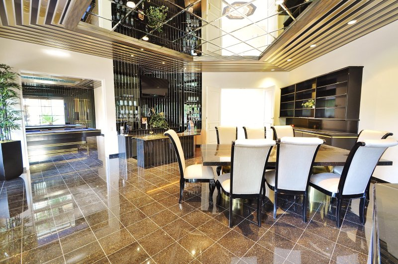 Bar Room with Dining Table and 48' LED TV
