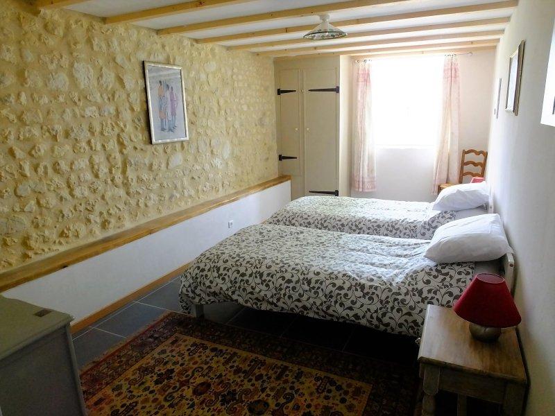 Ground floor en-suite twin bedroom.