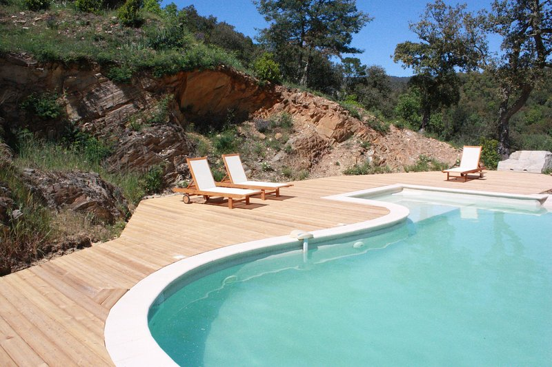 Large house surrounded by nature, vacation rental in Collobrieres