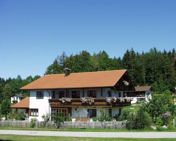 Ferienwohnung**** mit 2 Schlafzimmern - Chiemgau Karte kostenlos, holiday rental in Bayerisch Gmain