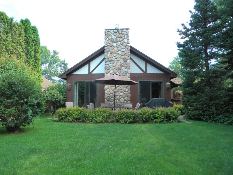 5-Star 2BR/2BA Cottage, Minocqua, WI, holiday rental in Arbor Vitae