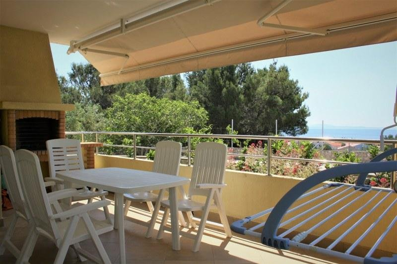 Apartment Mediterraneo with private Garden & Sea view – semesterbostad i Krk