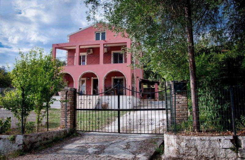 Evelina's Country House, location de vacances à Kontokali