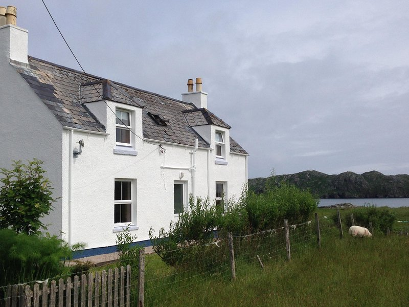 Kneep Cottage - A Self Catering Cottage on the Beach., alquiler vacacional en Carloway
