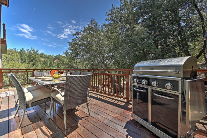 New 5br Lake Arrowhead House W Hot Tub Has Balcony And Hot Tub