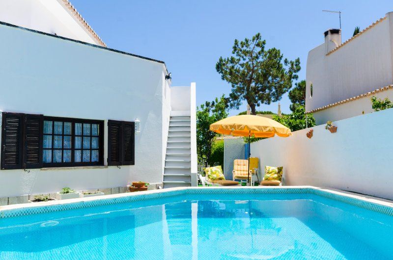 11 avis et 20 photos pour nice house with pool 5 minutes from de beach tripadvisor faro. Black Bedroom Furniture Sets. Home Design Ideas