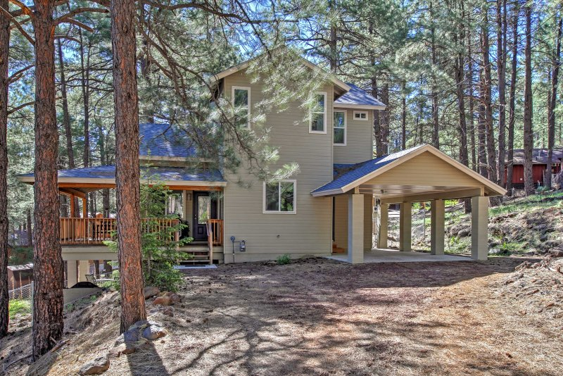 Immerse yourself in the natural beauty of Flagstaff at this lovely vacation rental home!