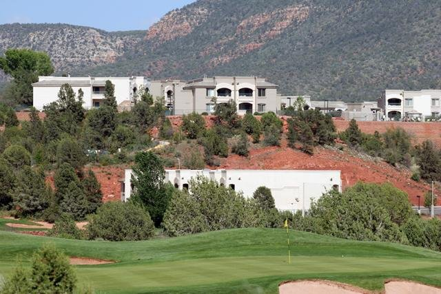 1 BD CONDO ~Ridge on Sedona Golf Resort~ BEAUTIFUL RESORT/ GREAT VIEWS/ POOLS, vacation rental in Rimrock