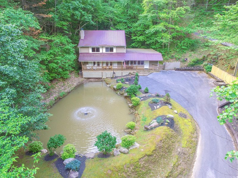 CATCH & RELEASE; Fishing Pond, Internet, Secluded, vacation rental in Pigeon Forge
