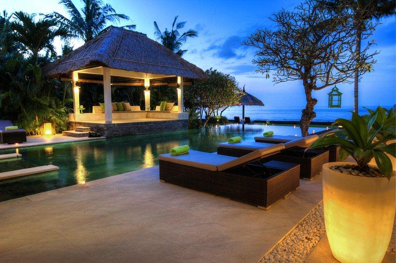 Villa Asmara - Lovina Beach - Bali, holiday rental in Dencarik