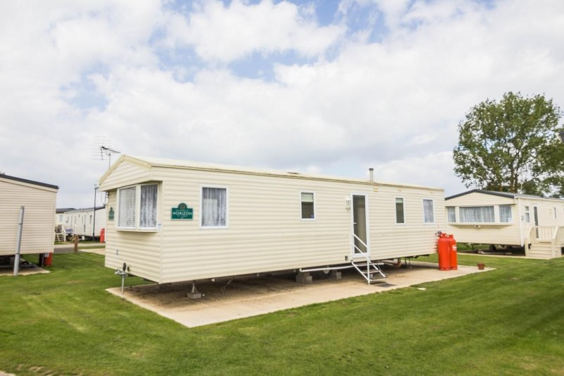8 berth caravan for hire at Heacham Beach Holiday Park. Ruby rated.