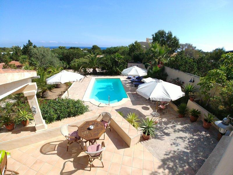 Villa Las Palmas, location de vacances à Sant Ferran de ses Roques