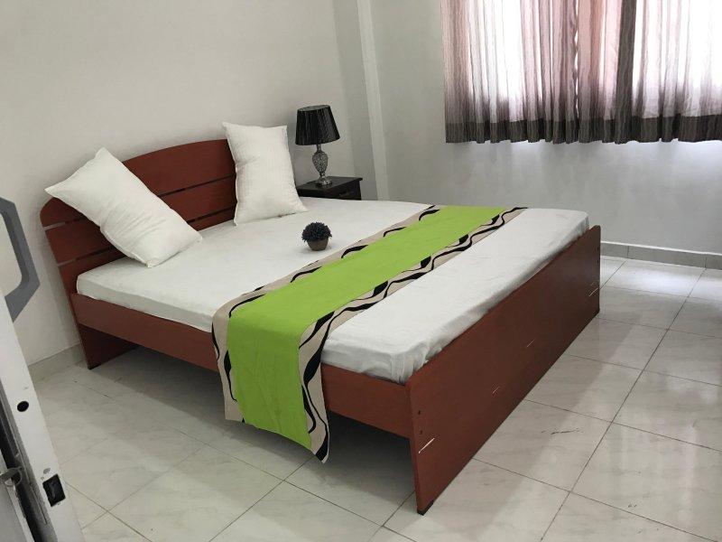 Three Bedroom Apartment, holiday rental in Ratmalana