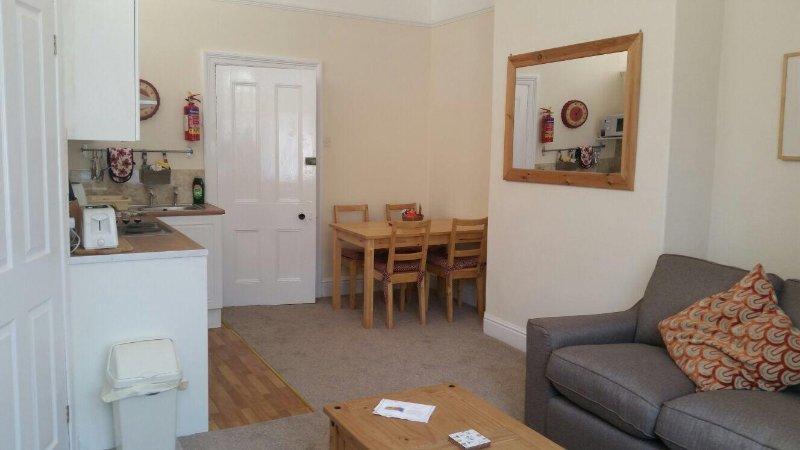 Scarborough - The Orange Apartment, holiday rental in Scarborough