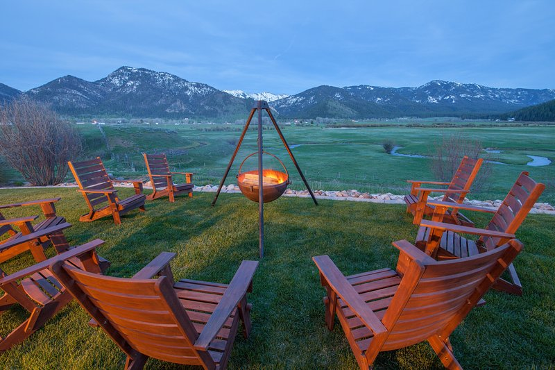 Host a cowboy campfire while enjoying the awesome views.