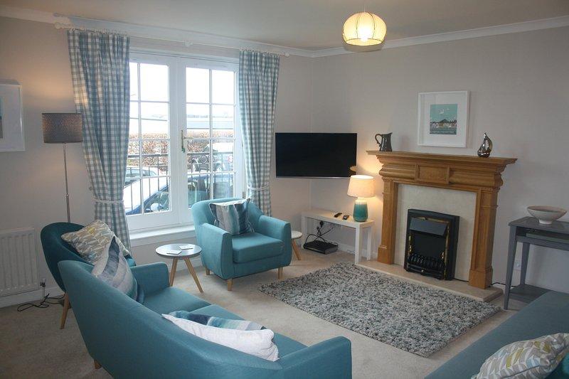 Dirrumadoo, North Berwick seaside 3 bed holiday apartment, vacation rental in North Berwick