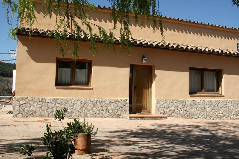 Cal Riba - casita l'Avenc 10 pax, holiday rental in Sant Domi