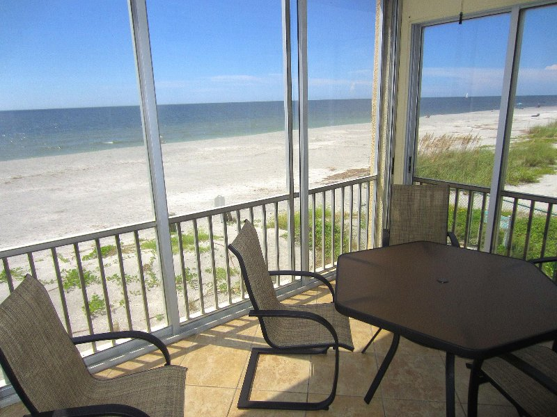Direct Gulf-Front / End Unit Fisherman's Cove A201, holiday rental in Siesta Key