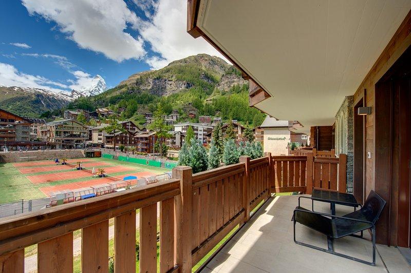 Soleggiato e sud con ampi balconi e, naturalmente, con una vista perfetta sul Cervino.