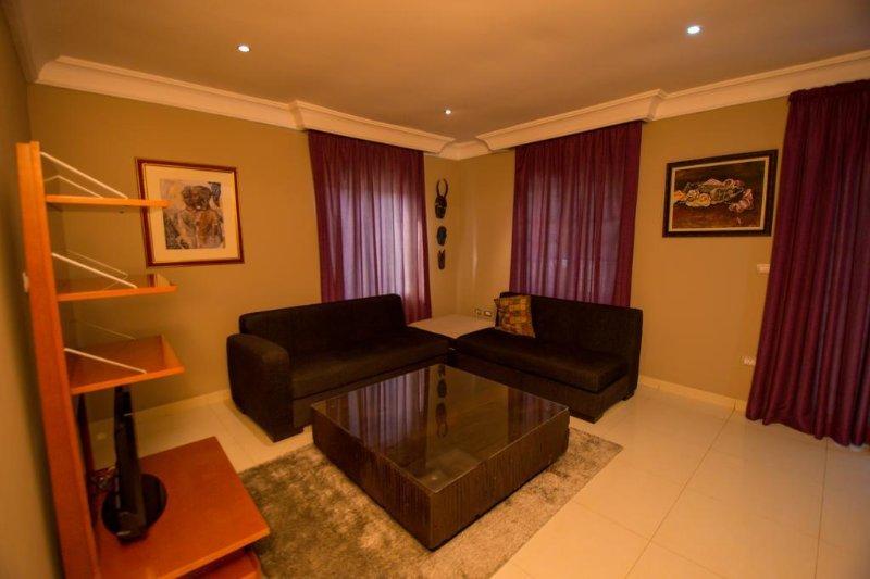 Ozidu House - Deluxe Room 2, alquiler vacacional en Abuja