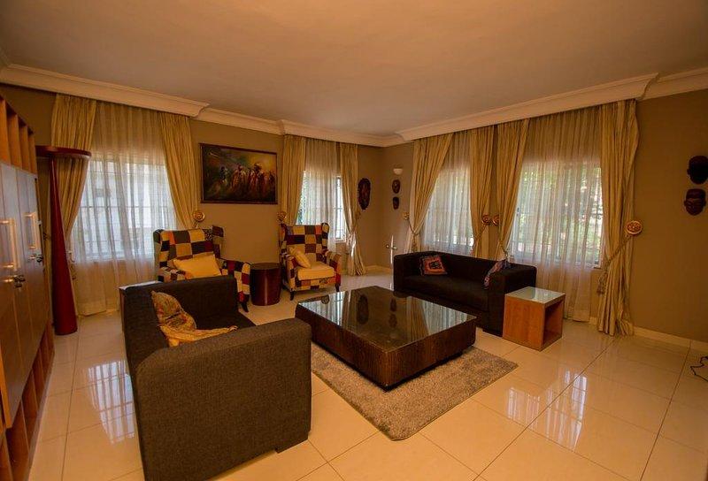 Ozidu House - Deluxe Room 1, alquiler vacacional en Abuja