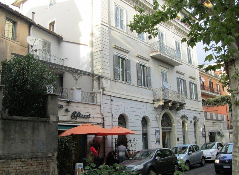 Luxury Flat in Historic Centre of Poggio Mirteto, 60KM North East of Rome, alquiler vacacional en Castelnuovo di Farfa