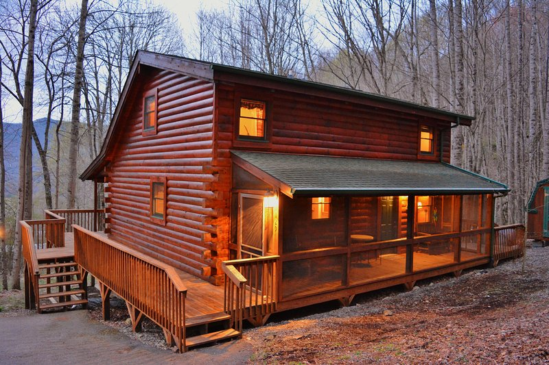 Welcome to Buck 'N Ham Lodge!  Wrap around deck with  screened in deck.
