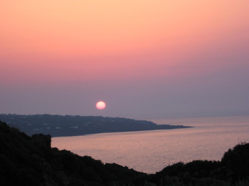 La puesta de sol visto desde la dammuso
