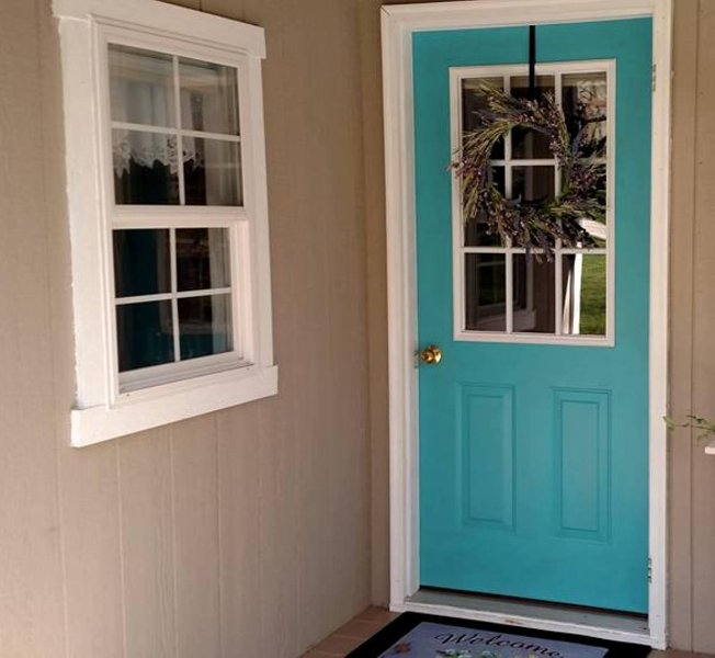 Welcome to our Blue Door Cottage!