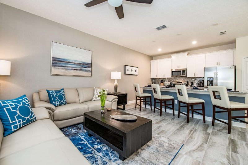 WOW Brand new 4 bedroom 3 bath Champions Gate townhouse from $128nt, alquiler de vacaciones en ChampionsGate