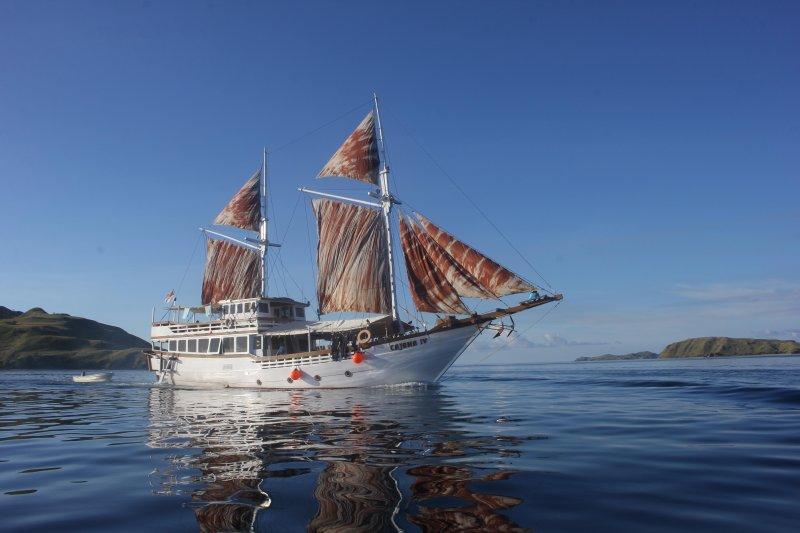 MV Cajoma IV Phinisi, holiday rental in Komodo