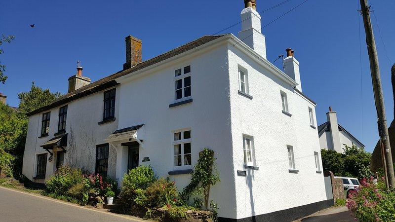 3 bed character cottage Thurlestone South Devon close to dog friendly beaches, location de vacances à Thurlestone