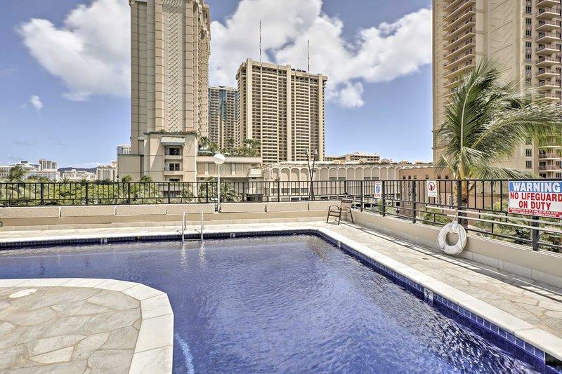 Erleben Sie alles, was Waikiki hat von diesem Ferienmieteigentumswohnung bieten!