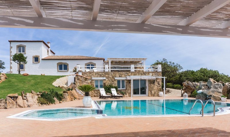 Luxurious Villa With Swimming Pool - Porto Cervo, vacation rental in Arzachena