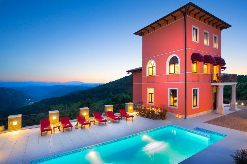 Palazzo Angelica, holiday rental in Vizintini Vrhi