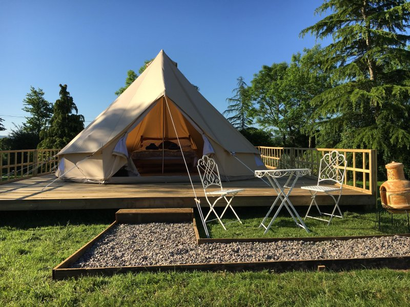 Bell Tent Glamping - Silver Springs Farm, holiday rental in Raglan