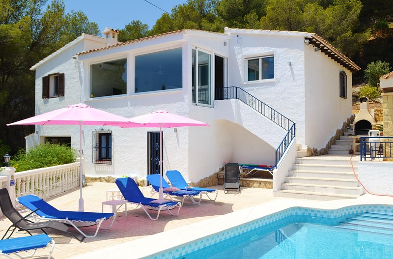 Casa Bartho - 3 Bedroom Villa with Sea Views and Private Pool, vacation rental in Polop