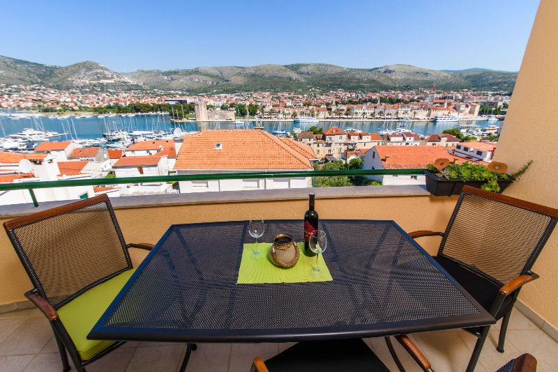 Apartment AMAZING VIEW - Trogir city – semesterbostad i Trogir