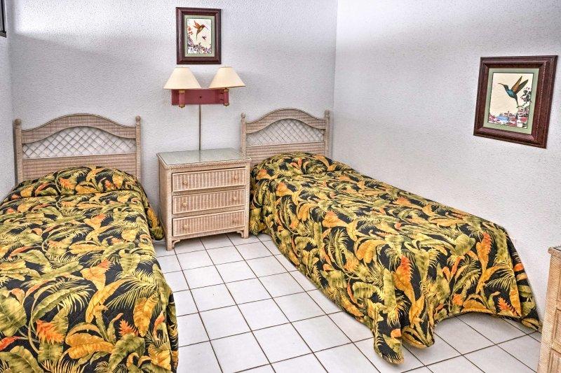 Två enkelsängar komplett detta andra sovrum.