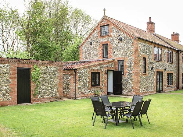 LITTLE FARM, sleeps six, open fire, large garden, pet friendly, Great Fransham, location de vacances à Ovington